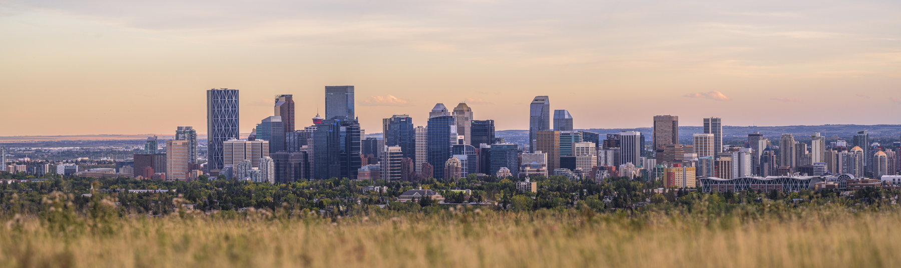 calgary panoramic photo from Nose Hill Park