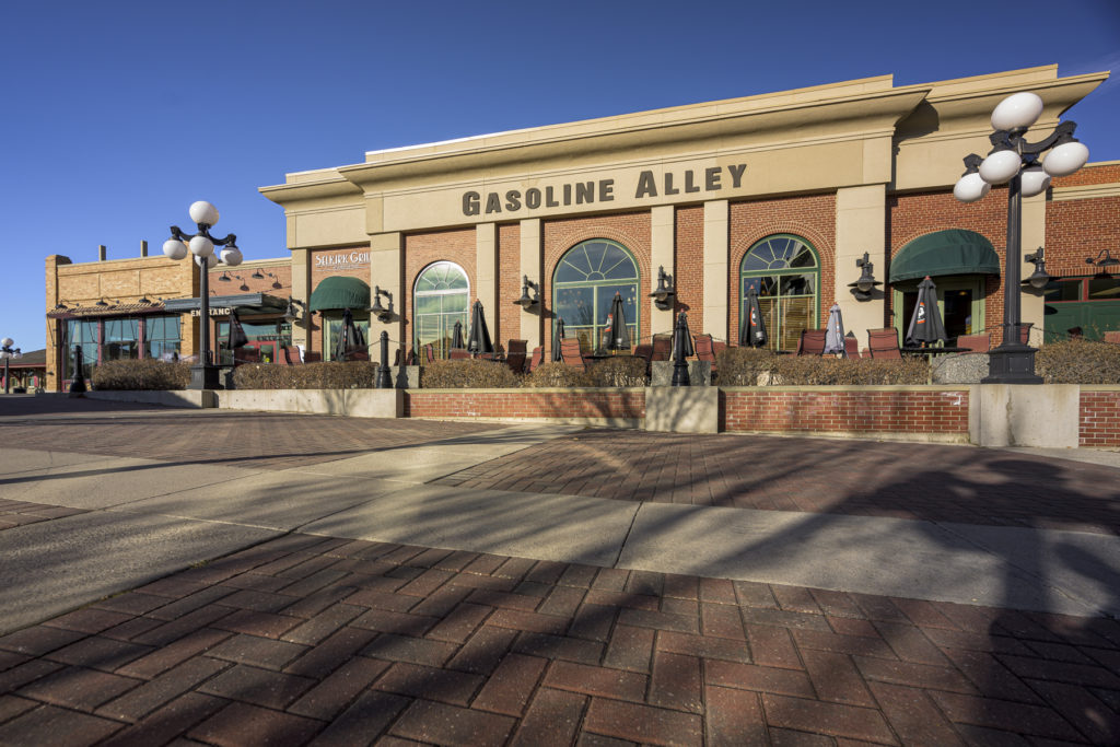 gasoline alley photography in calgary at the heritage park